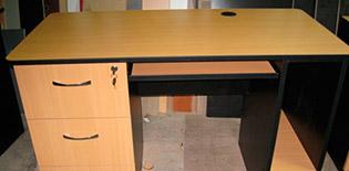 Escritorios para oficina escritorio de melamina for Muebles de oficina olx