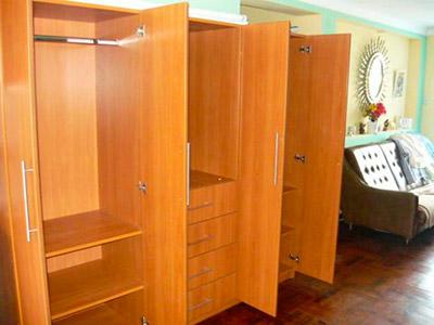 Muebles roperos para ropa related keywords muebles for Roperos para dormitorios pequenos